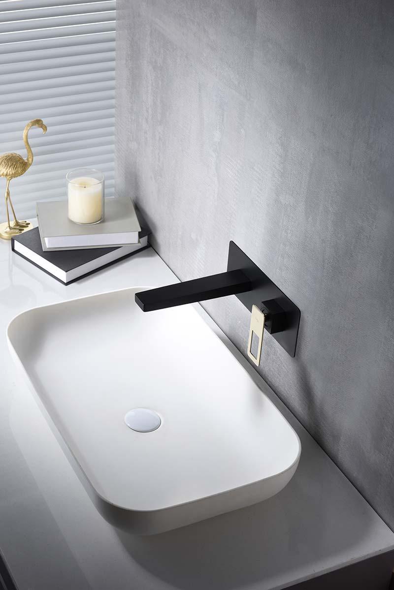 Grifo lavabo empotrado oro ambiente