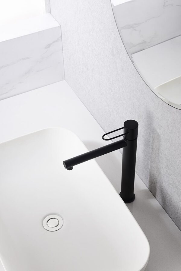 grifo lavabo alto serie milos negro ambiente