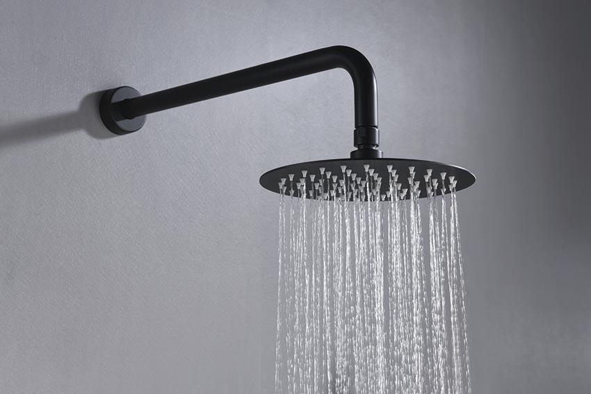 ducha empotrada serie milos negro detalle